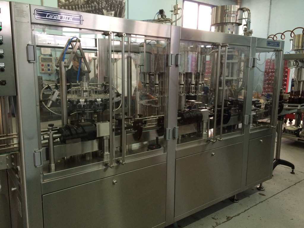 AUTOMATIC MONOBLOC RINSER/FILLER/CROWNER 9-12-1 1.800 B/H